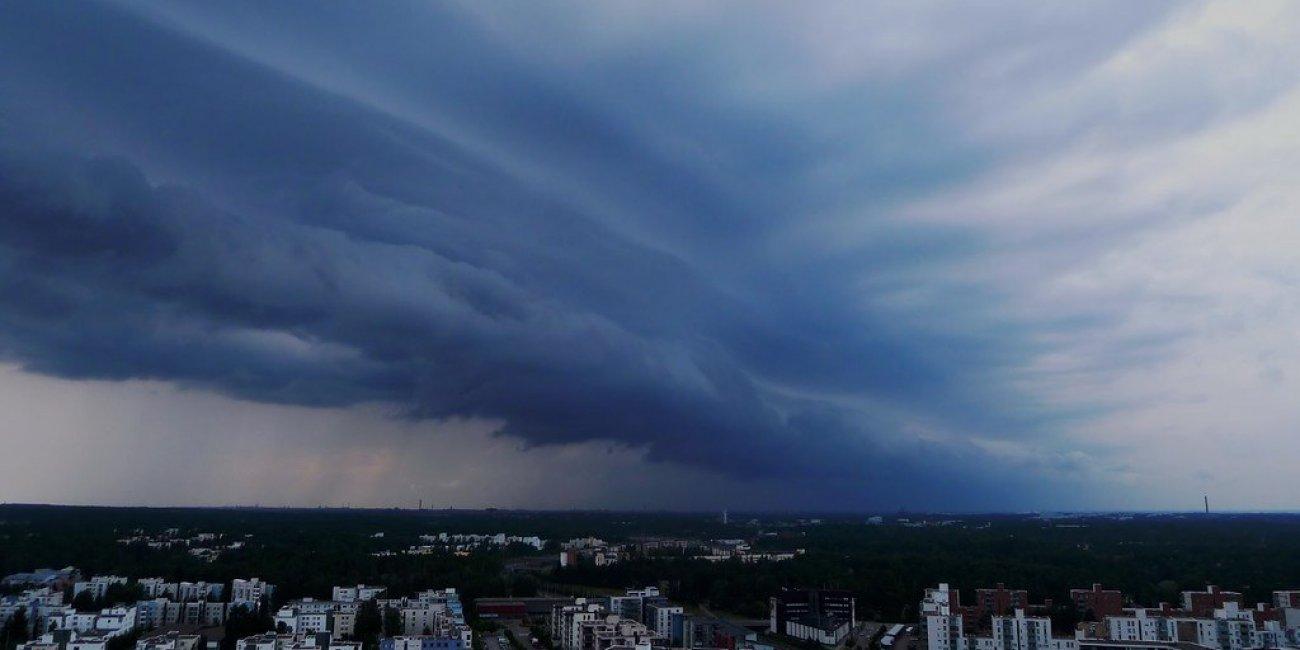 Dark Clouds von timo w2s via Flickr CC BY SA 2 0